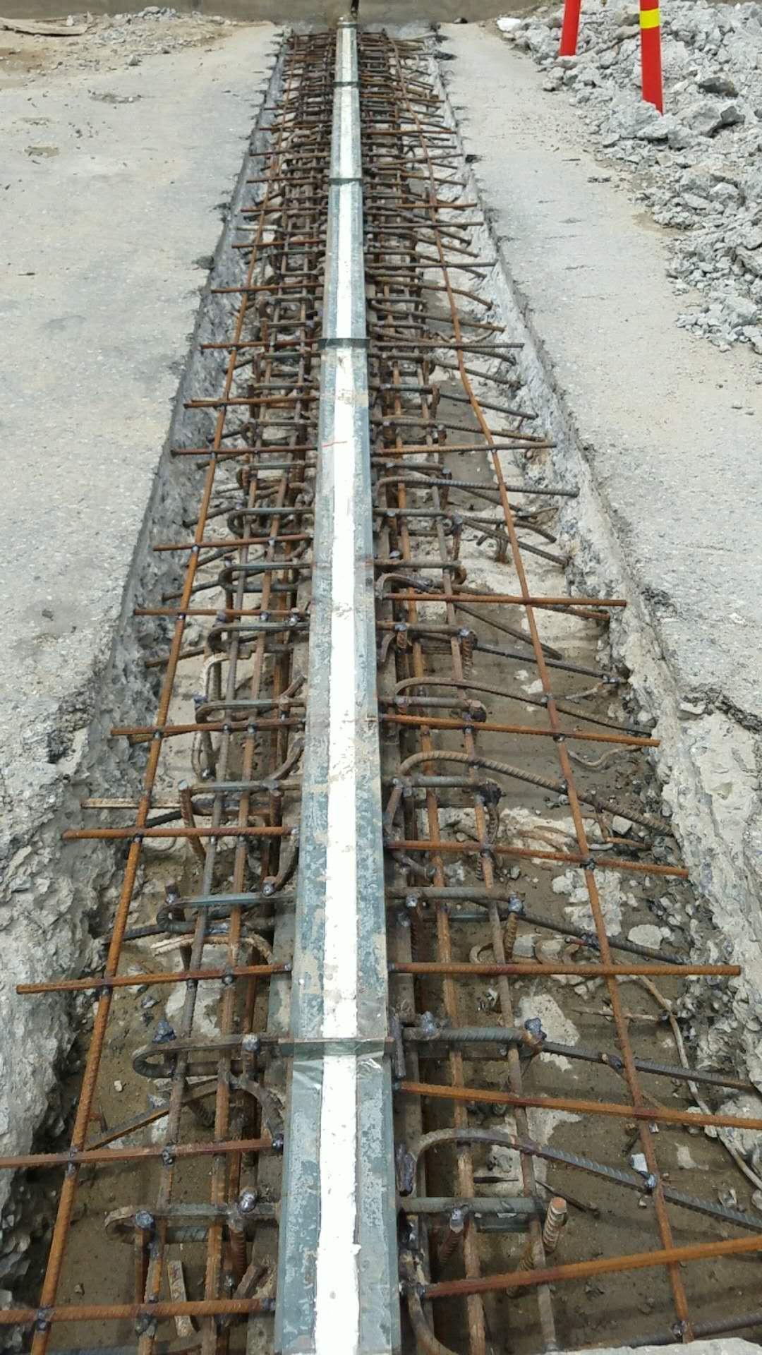 潢川縣花埠橋南頭東側橋梁下沉修復
